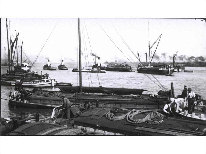 Vintage photo of some working keels